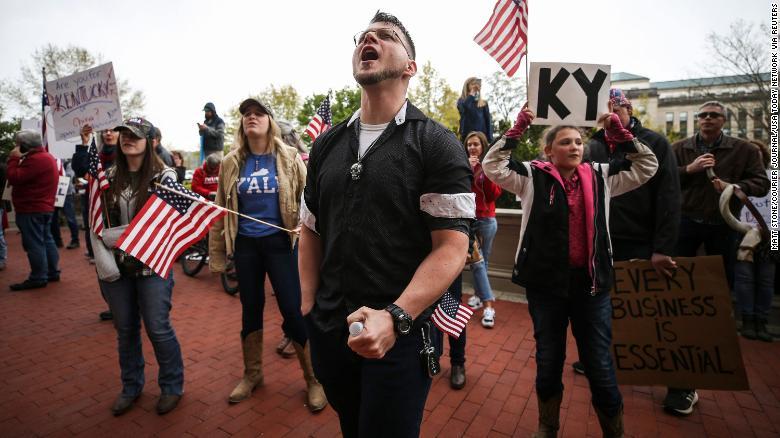 लकडाउनविरुद्ध अमेरिकी सडकमा उत्रिए, डोनाल्ड ट्रम्प उनीहरुको समर्थनमा - nepnews