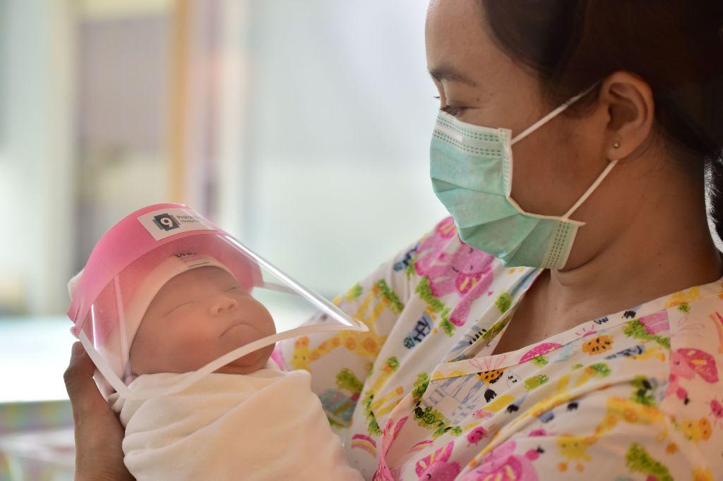 आइसोलेशन कक्षमै जन्मियो शिशु -